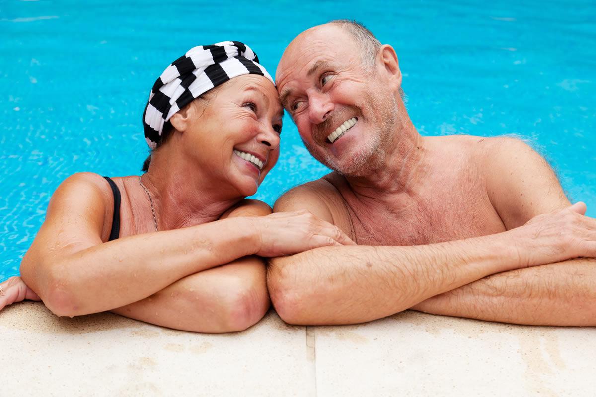 Картинки пенсионеры отдыхают